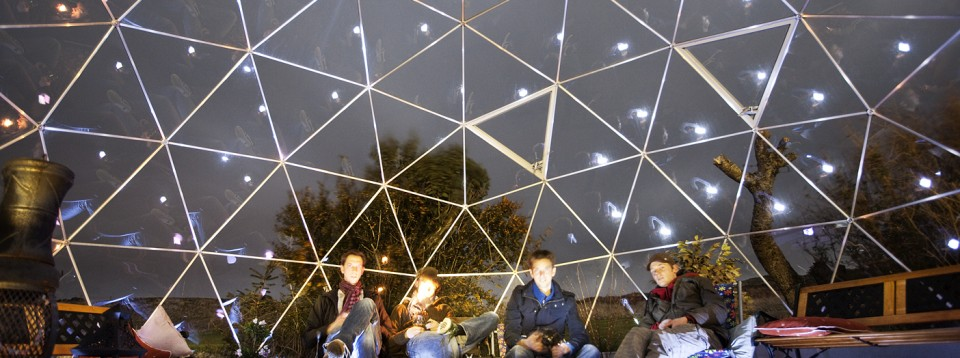 Visitor accommodation, Skyewalker Hostel, SOLARDOME Retreat at night