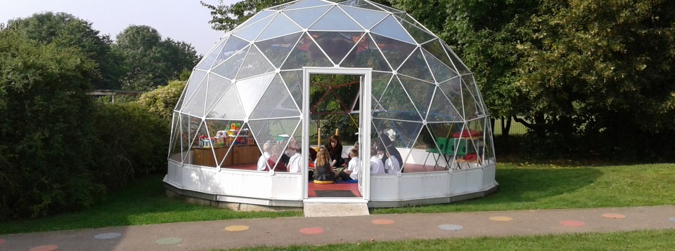 SOLARDOME Capella - Park View Infant School - learning outside the classromm