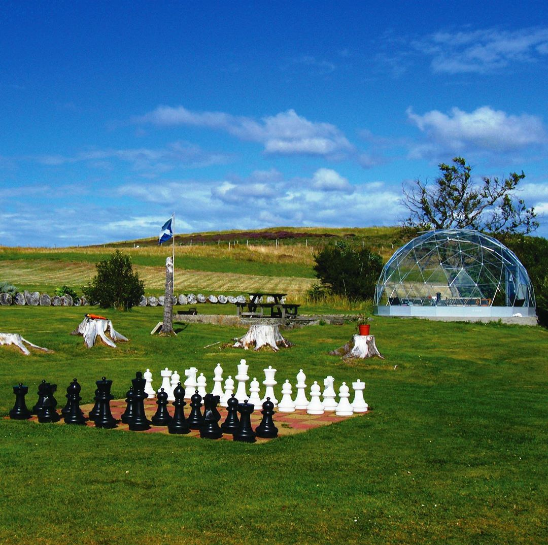 Solardome® Retreat with chess board
