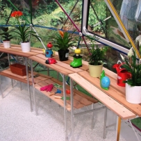 Greenhouse staging units