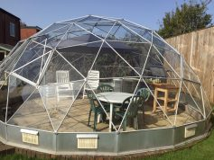 In 1987, Mr Brown purchased his SOLARDOME® Deluxe 3 and it's withstood the test of time.