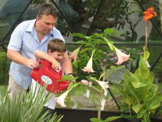 Gardening helps children keep fit and healthy